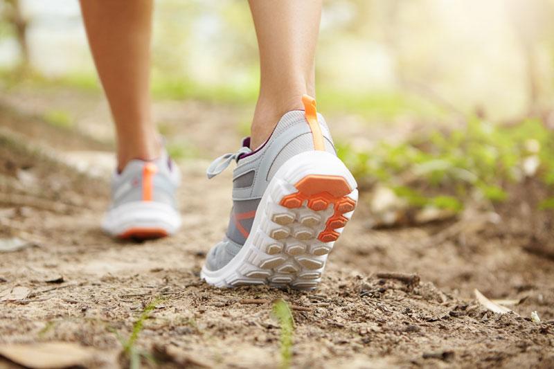 a marche sportive, aussi nommée marche rapide ou marche active, est un sport qui se pratique à un rythme plus soutenu que la marche pratiquée au quotidien. Il fait donc travailler le souffle, l'endurance et presque tous les muscles du corps.